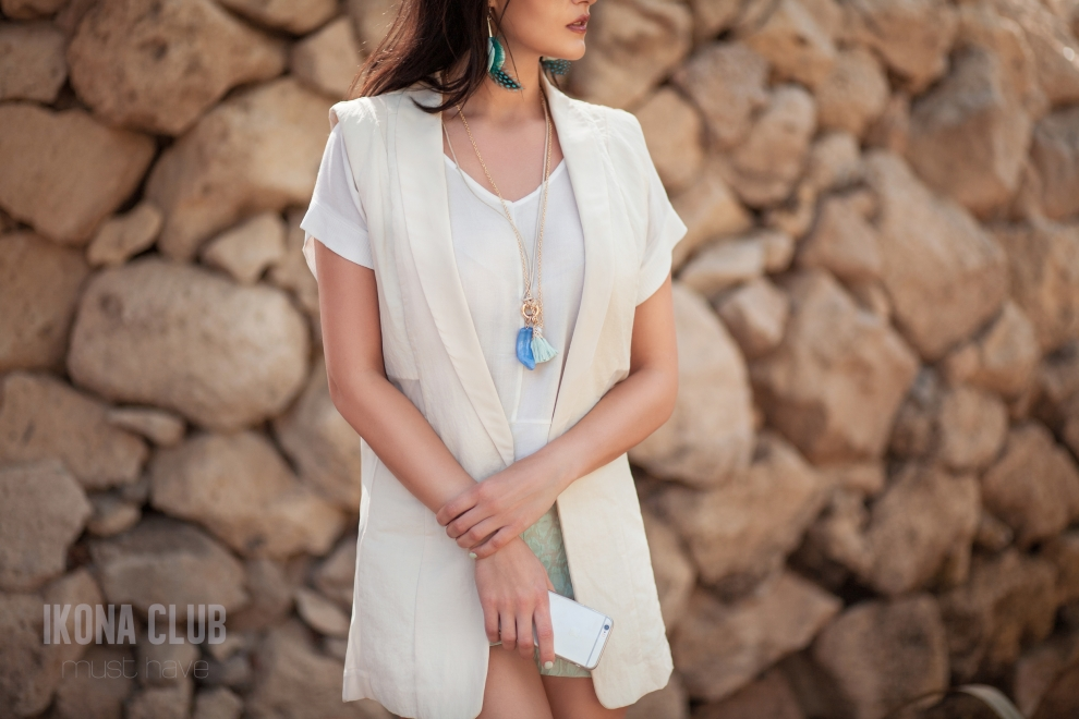 Fashion outfit | Necklace and earrings