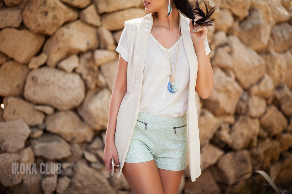 Fashion outfit | Blazer and shorts