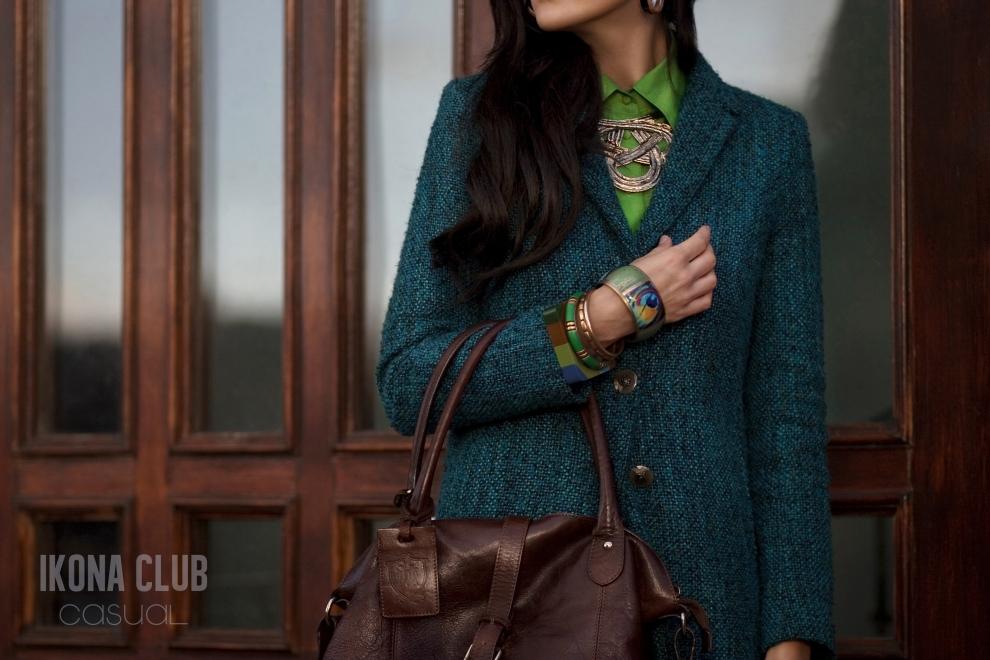 Street fashion photo | Green coat